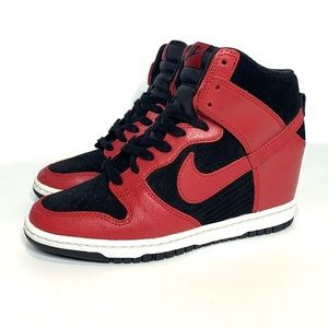 "Nike Sky Hi Dunk - hidden wedge - black/red ""Bred"""